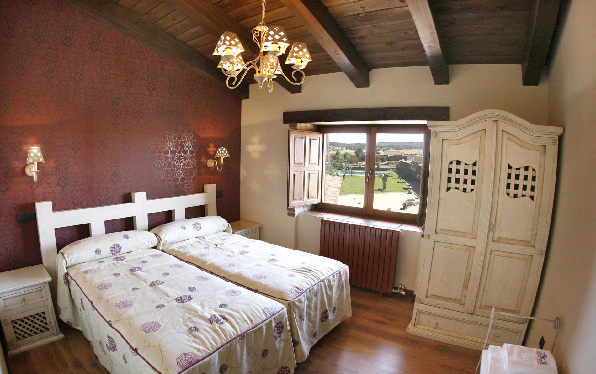 Habitaci n matrimonio cama grande siega verde casa rural - Imu 2 casa 2017 ...